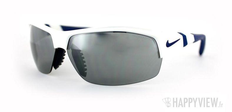 Lunettes de soleil Nike Nike Show-X2 blanc/bleu - vue de 3/4
